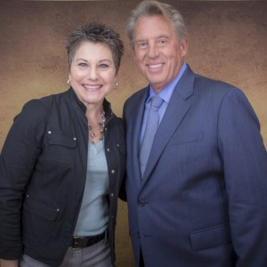 Dr. Linda Travelute with John C. Maxwell